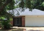 Foreclosed Home in Milton 32570 ROLLING HILLS DR - Property ID: 3718298211