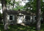 Foreclosed Home in South Bend 46628 BUTTERNUT RD - Property ID: 3718550945