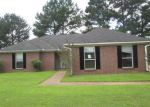 Foreclosed Home in Florence 39073 SOUTHERN OAKS DR - Property ID: 3718803646