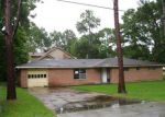 Foreclosed Home in Texas City 77591 ASH RD - Property ID: 3719090517