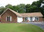 Foreclosed Home in Memphis 38141 ROSEWIND CIR W - Property ID: 3719556522