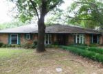 Foreclosed Home in Arlington 76016 SHELTERWOOD LN - Property ID: 3722964843