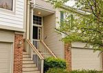 Foreclosed Home in Naperville 60564 SAGANASHKEE LN - Property ID: 3727140476