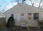 Foreclosed Home in Mastic 11950 MORICHES AVE - Property ID: 3744312112