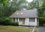 Foreclosed Home in Mastic 11950 ROBERTS ST - Property ID: 3745949266