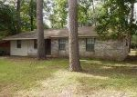 Foreclosed Home in Huntsville 77320 PINE HOLLOW LN - Property ID: 3746345645