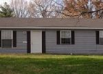 Foreclosed Home in Carbondale 62901 N WALL ST - Property ID: 3752240325