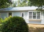 Foreclosed Home in Mastic 11950 FLORADORA DR - Property ID: 3763583417