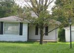 Foreclosed Home in Central City 42330 CEDAR ST - Property ID: 3767656128