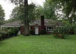 Foreclosed Home in Belleville 62221 DARDENELLE DR - Property ID: 3772518522