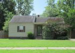 Foreclosed Home in Memphis 38111 HENDRICKS AVE - Property ID: 3777934512