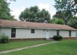 Foreclosed Home in Clarksville 37042 MILLS DR - Property ID: 3778102250