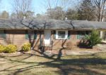 Foreclosed Home in Center Point 35215 15TH LN NW - Property ID: 3782910330