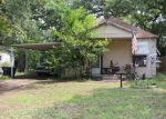 Foreclosed Home in Fort Worth 76111 EARL ST - Property ID: 3789389278