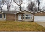 Foreclosed Home in Fairview Heights 62208 MONTCLAIR DR - Property ID: 3791892750
