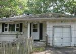 Foreclosed Home in Shirley 11967 HOLLYWOOD DR - Property ID: 3796350440