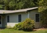 Foreclosed Home in Shirley 11967 STARLIGHT DR - Property ID: 3800304919