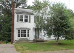 Foreclosed Home in Davenport 52803 FERNWOOD AVE - Property ID: 3807123725