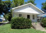 Foreclosed Home in Mount Vernon 62864 COLLEGE ST - Property ID: 3807185930