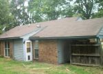 Foreclosed Home in Horn Lake 38637 SOUTHBROOK DR - Property ID: 3814787839