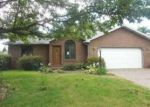 Foreclosed Home in Evansville 47715 SHADY HOLLOW TRL - Property ID: 3816420150