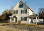 Foreclosed Home in Waterbury 06706 PEARL LAKE RD - Property ID: 3817427499