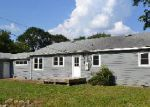 Foreclosed Home in Sheffield 35660 VILLAGE CIR - Property ID: 3822895159