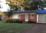 Foreclosed Home in Muscle Shoals 35661 FORDSWAY AVE - Property ID: 3823289343