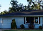 Foreclosed Home in Fort Wayne 46835 WOODLEA AVE - Property ID: 3826376185