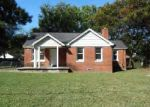 Foreclosed Home in Memphis 38127 BENJESTOWN RD - Property ID: 3833370187