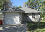 Foreclosed Home in Springfield 65803 N SUMMIT AVE - Property ID: 3833594884