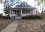Foreclosed Home in Winfield 67156 E 9TH AVE - Property ID: 3838381942