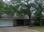 Foreclosed Home in Dickinson 77539 BLUE WATER LN - Property ID: 3839927544