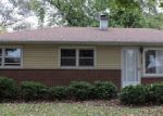Foreclosed Home in Elgin 60120 HIAWATHA DR - Property ID: 3853077715