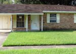 Foreclosed Home in Baton Rouge 70815 TWIN OAK AVE - Property ID: 3855962649