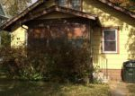 Foreclosed Home in Waterloo 50703 EDWARDS ST - Property ID: 3858419231