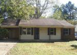 Foreclosed Home in Memphis 38127 N CIRCLE RD - Property ID: 3859536514