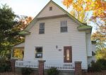 Foreclosed Home in Kansas City 66104 PARKVIEW AVE - Property ID: 3864779947