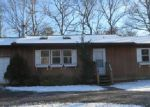 Foreclosed Home in Shirley 11967 MORICHES MIDDLE ISLAND RD - Property ID: 3865402745