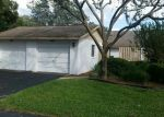 Foreclosed Home in Apopka 32712 OAK PL - Property ID: 3866170955