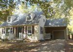 Foreclosed Home in Topeka 66604 SW 20TH ST - Property ID: 3866443810