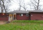Foreclosed Home in South Bend 46628 LYNNEWOOD AVE - Property ID: 3868379653