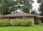 Foreclosed Home in Baton Rouge 70807 77TH AVE - Property ID: 3873940602