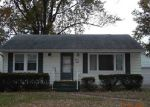 Foreclosed Home in Clinton 52732 GRANDVIEW DR - Property ID: 3874073304