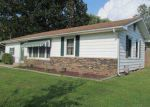 Foreclosed Home in Mount Vernon 62864 S 42ND ST - Property ID: 3874519158