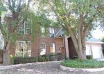 Foreclosed Home in Arlington 76001 PINWOOD CIR - Property ID: 3875820832