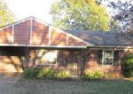 Foreclosed Home in Horn Lake 38637 FOREST GLEN DR - Property ID: 3881994959