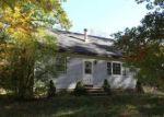 Foreclosed Home in Raymond 03077 OLD BYE RD - Property ID: 3883332519