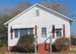 Foreclosed Home in Kingsport 37660 MAPLE ST - Property ID: 3883892234