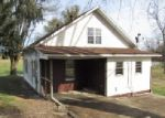 Foreclosed Home in Somerset 42503 PINE HILL RD - Property ID: 3888555800